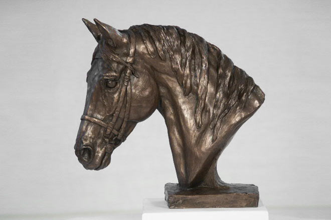 Small Horse Head I : A study by Kate Woodlock