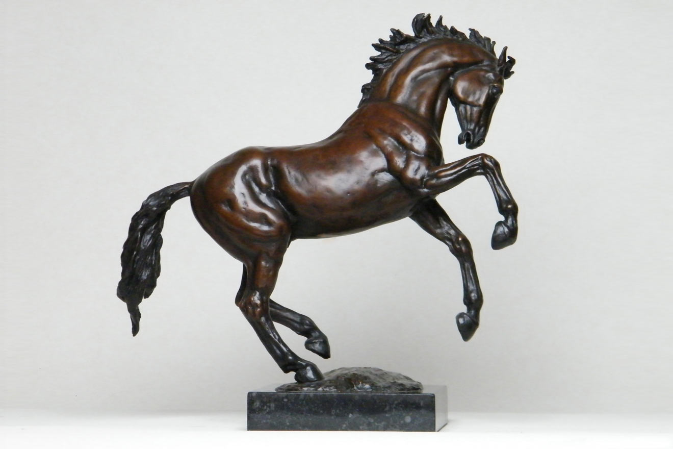 Small Horse I - Image 1 : A study in foundry bronze by Kate Woodlock
